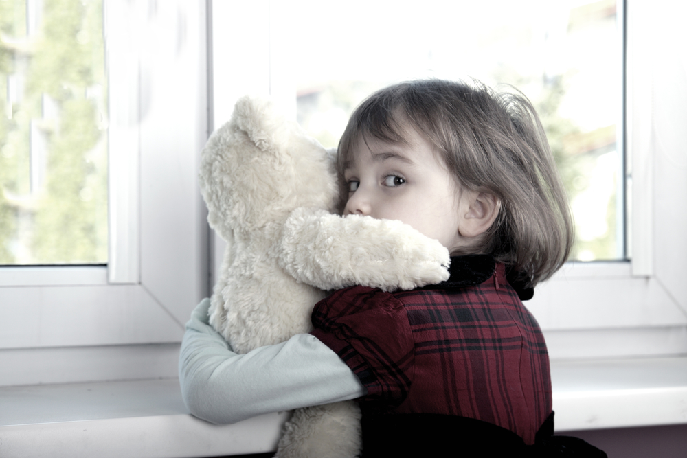 8 Ways Childhood Trauma <br/> Affects Your Mind <br/> & What You Can Do About It Now
